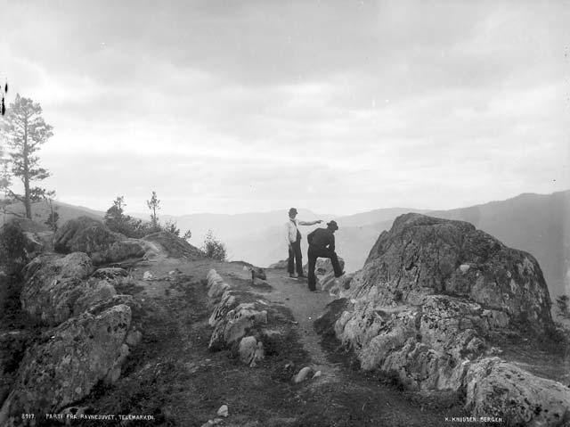 Ravnejuv Kjelde:Universitetsbiblioteket i Bergen Foto:Knud Knudsen
