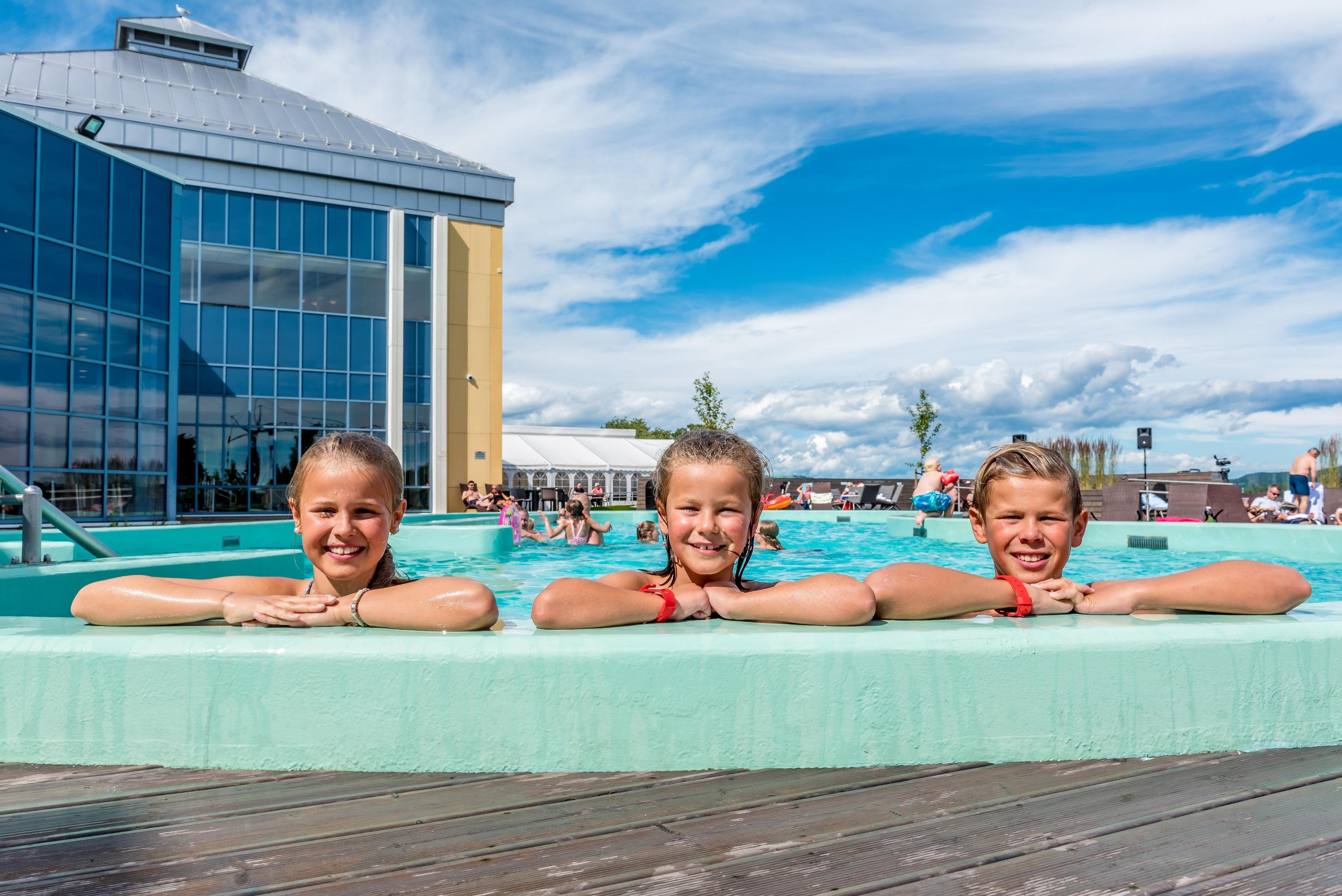 Badeparken i Lamgesund på Quality Hotel Skjærgården. Her kam man bade både inne og ute året rundt. Foto: Sigurd Svela