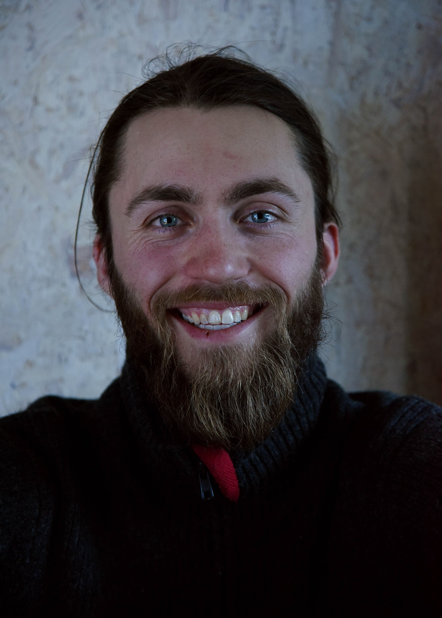 GRÜNDER: Isaac Hegna Manning er gründer innen reiseliv. Han ønsker at gjestene på Å Camp skal få oppleve nærheten til naturen. Foto: Bjørn Harry Schønhaug
