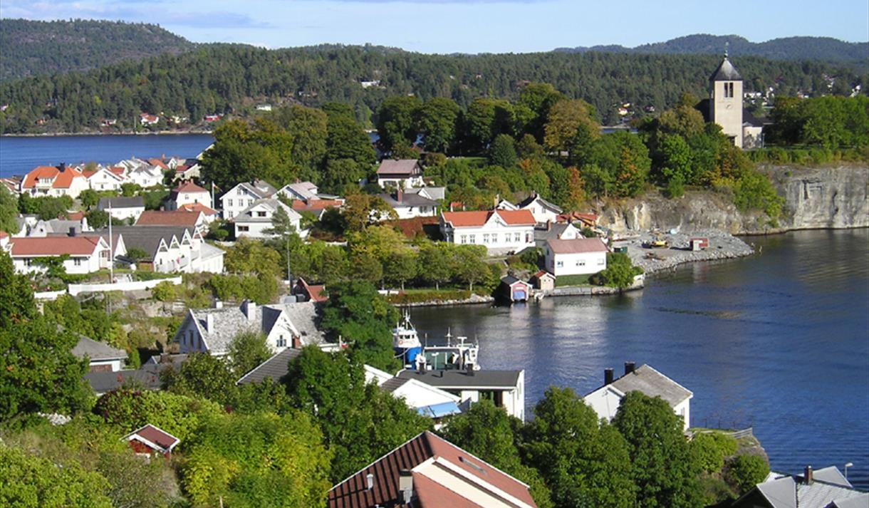 Den idylliske kystbyen Brevik er i dag kjent for sin Bacalaofestival og som iskrembyen.