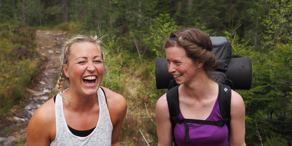 På vei til Gygrestolen med Maja, student ved frisluftslinja ved Høgskolen i Sørøst-Norge