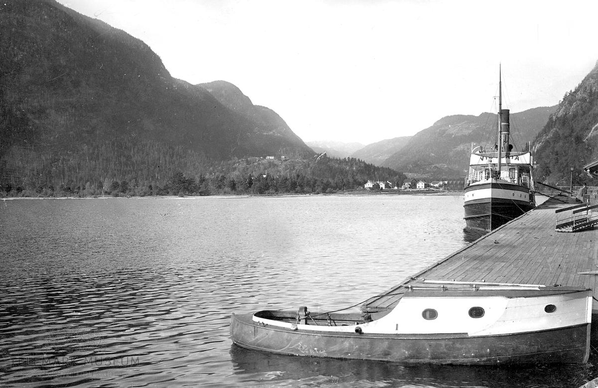 M/S Victoria ved Dalen brygge
