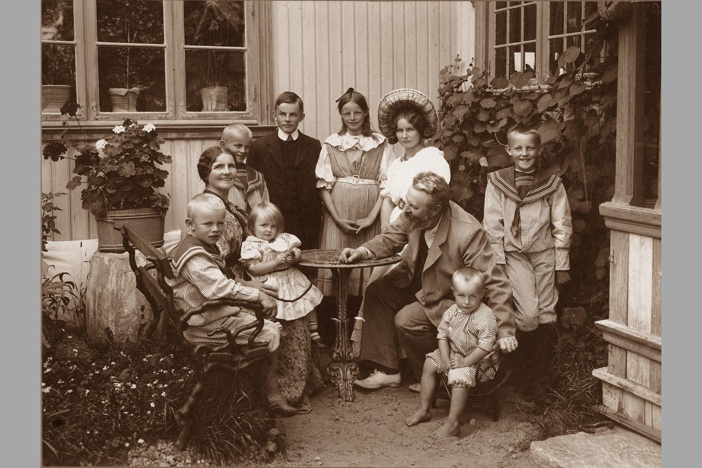 Th.Kittelsen og familien på Lauvlia