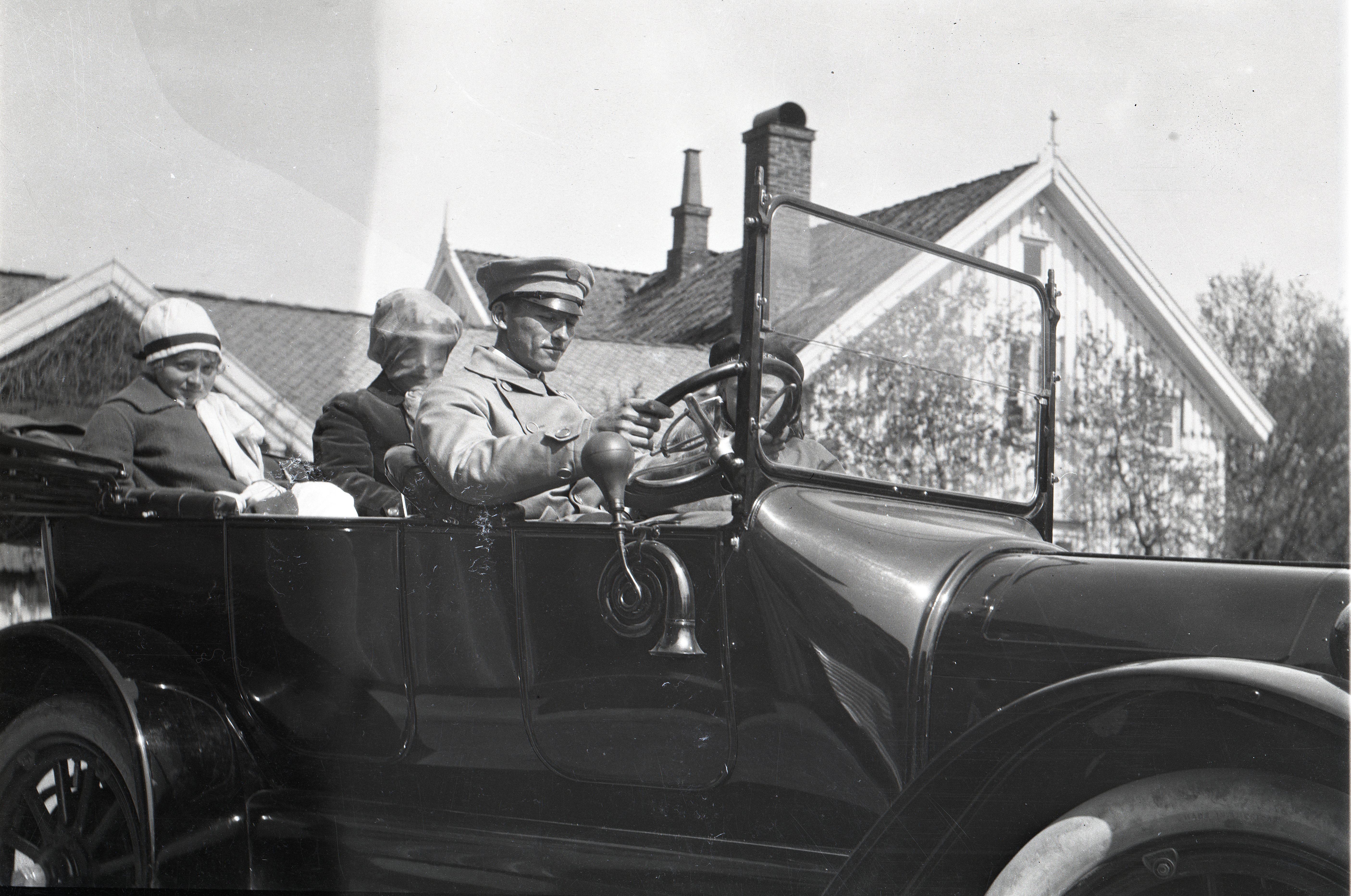 Ole H. Holtas første bil var en Cadillac 1916-modell. (Foto: Privat)