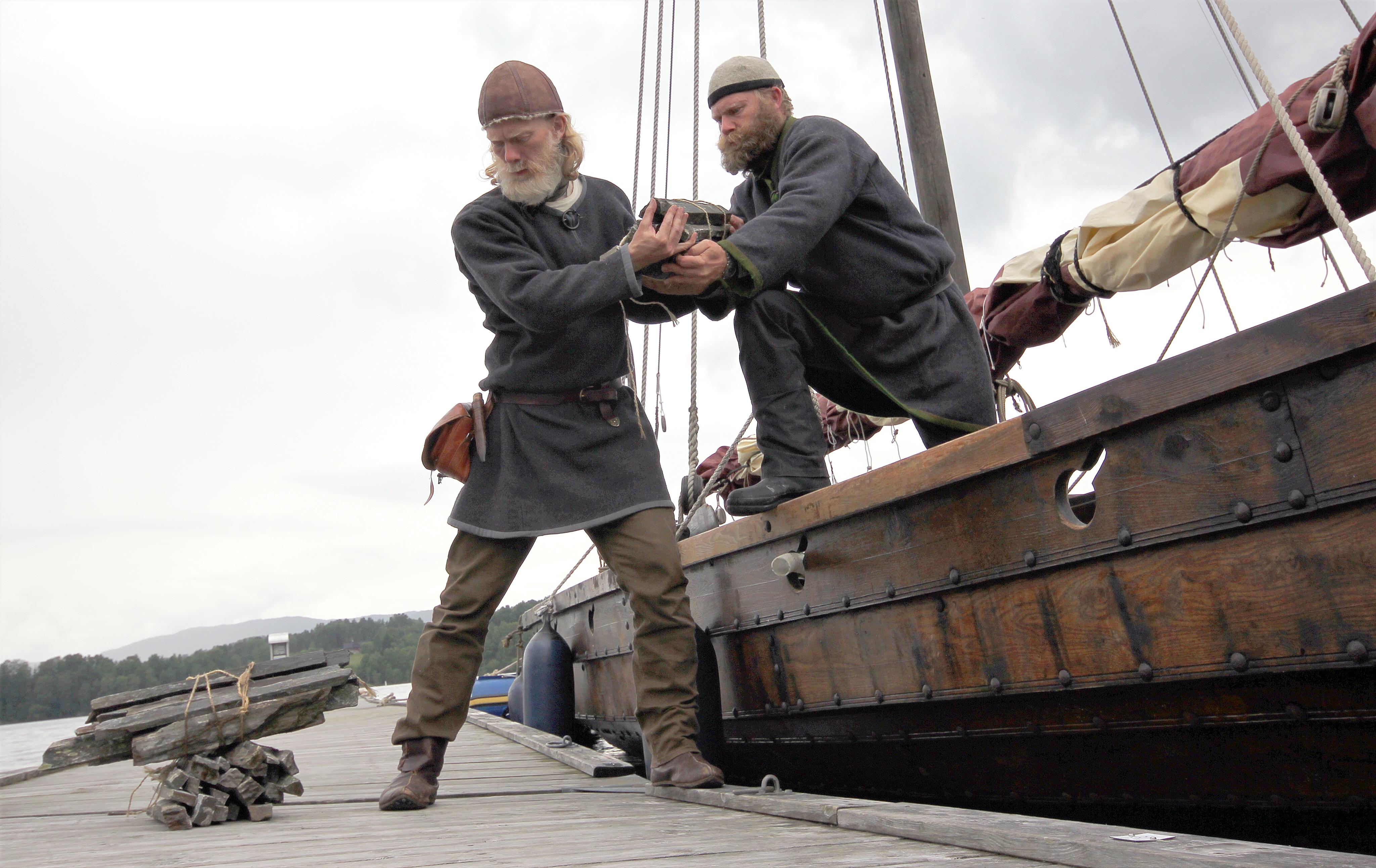 BRYNESTEIN: Brynesteinane frå Telemark kan identifiserast, og dei er funne i heile den nordeuropeiske vikingverda. Foto: Olavs menn
