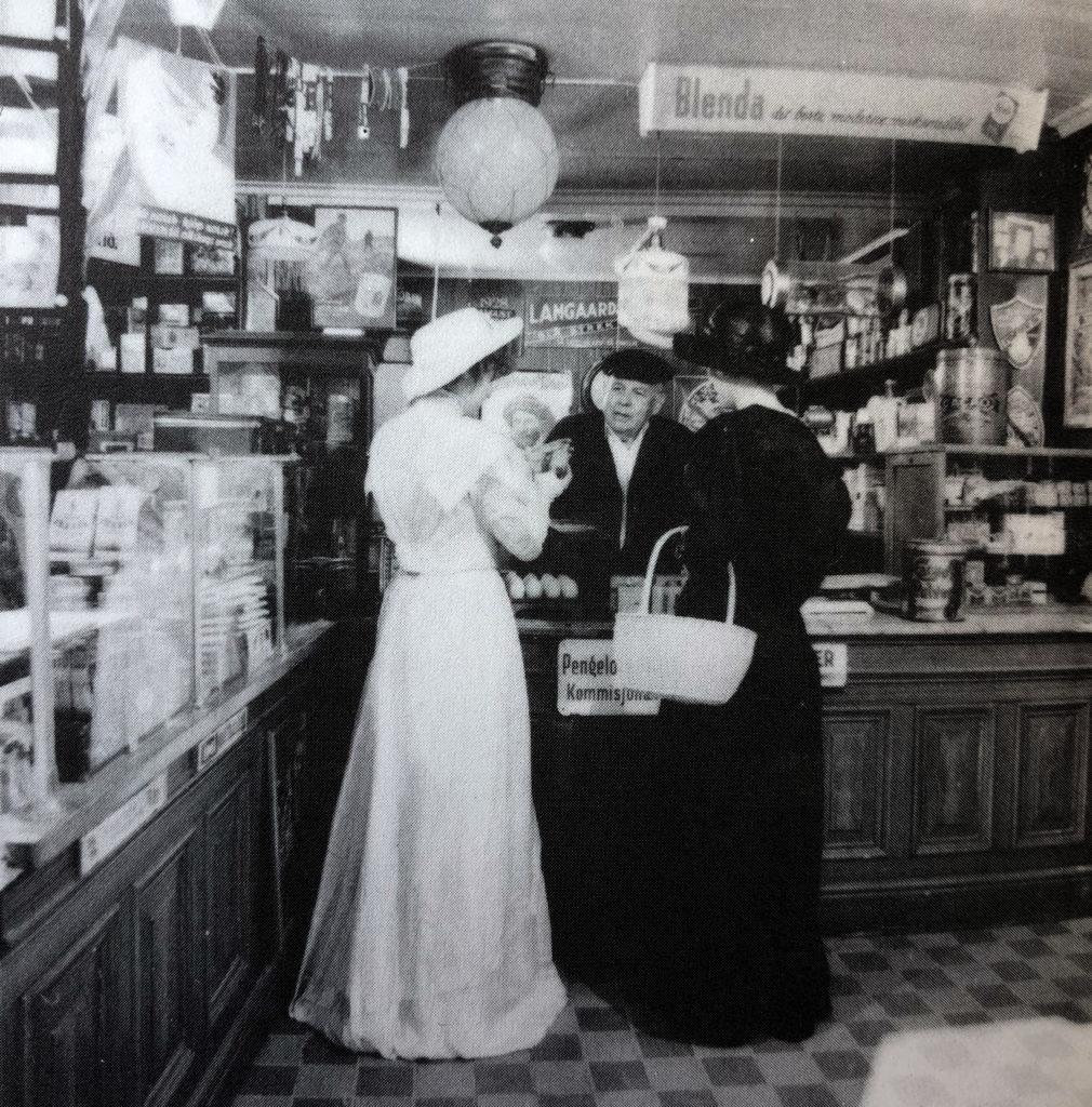Kleivbutikken med modeller i 1985