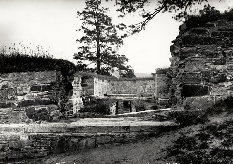 Kapitelberget 1. januar 1932. Foto: Gerhard Fishcer, Riksantikvaren