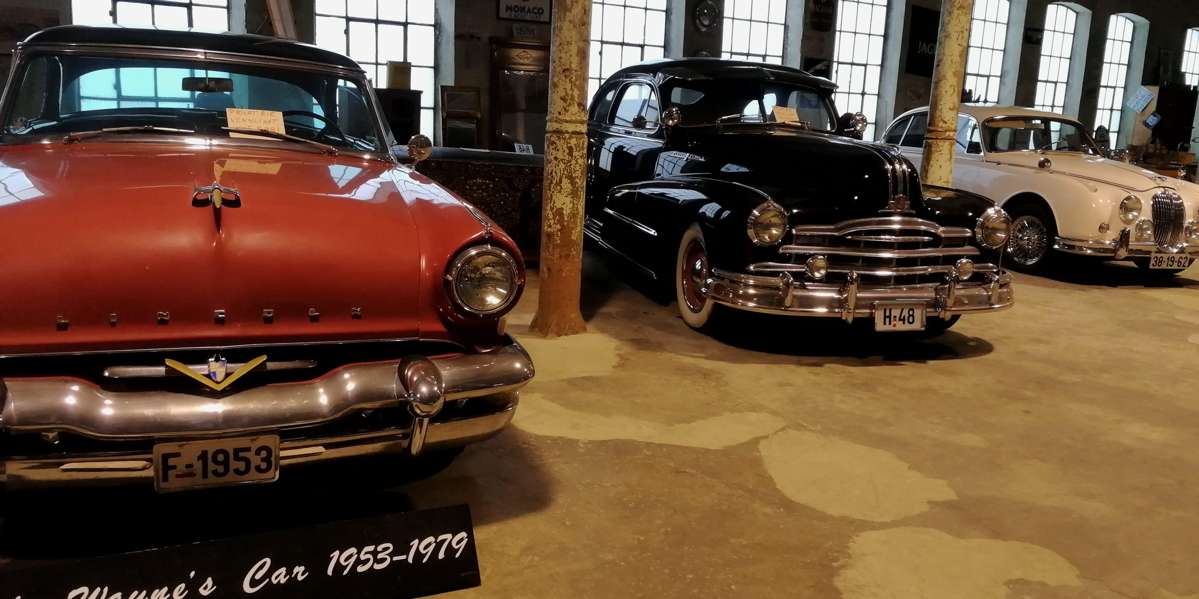 I butikken finner du disse gamle bilene