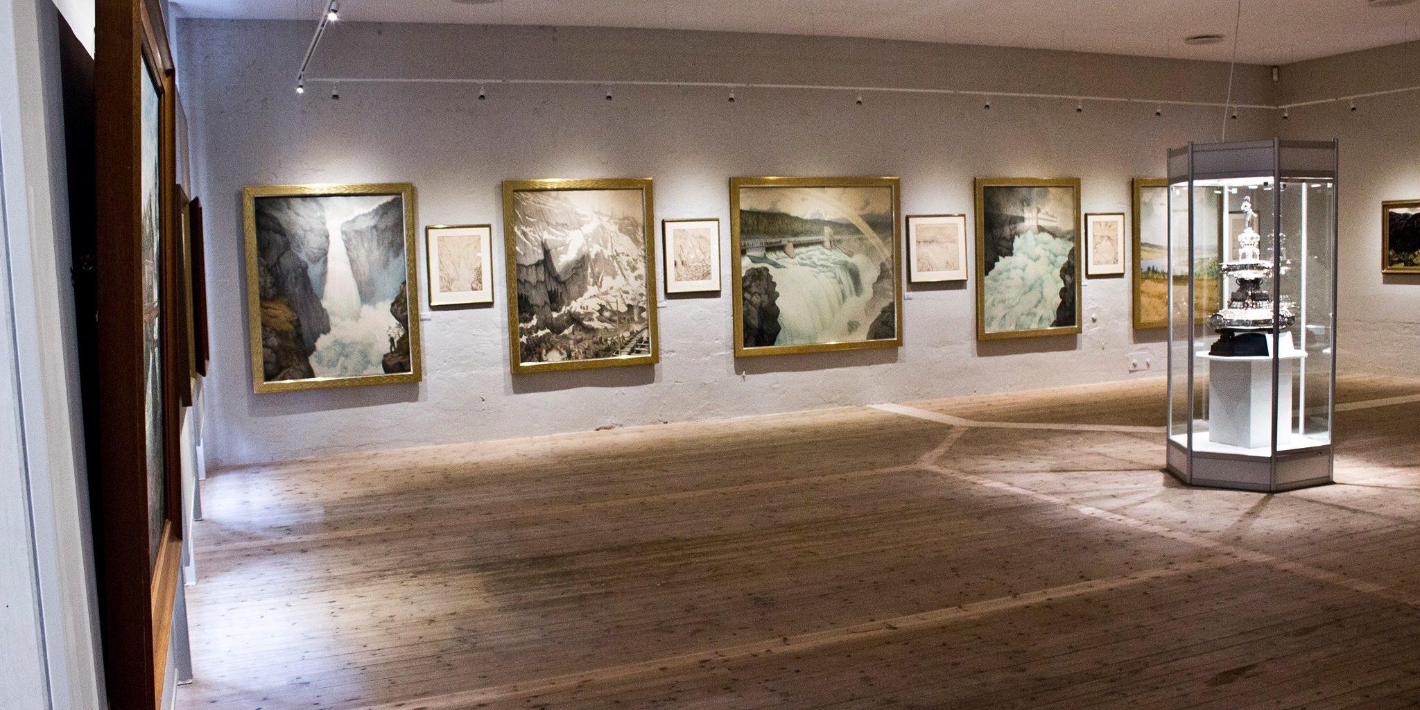 Theodor Kittelsen akvareller fra utbyggingen av kraftverket Svælgfoss. Foto: Telemarksgalleriet