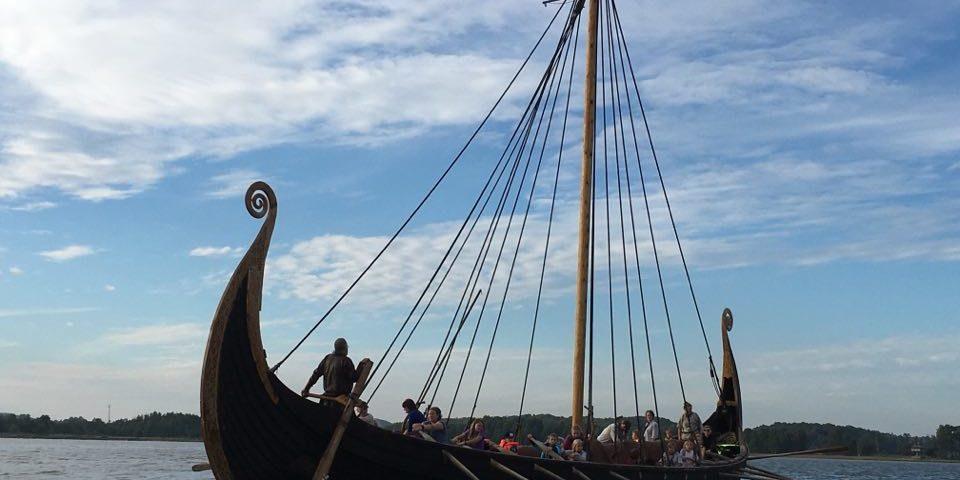 Vikingship på Telemarkskanalen